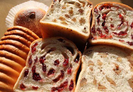 株式会社アットビジネス酒々井ベーカリーふっくらパンのパンの画像